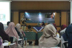 "Dr. Riza Arief Putranto, DEA dalam Kuliah Umum dengan Thema ""Dengan Bioteknologi, Menjadi Pendidik dan Peneliti Biologi yang Unggul"" di PBio FKIP UAD"